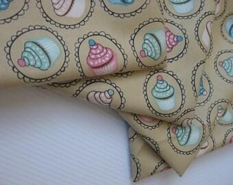 Cloth Napkins - Cupcakes - 100% Cotton Napkins