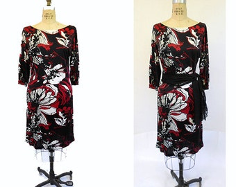Vintage Dress 1970s  Black  Red  and Ivory Flower Power Rayon Knit Jersey Size Small