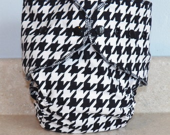 Fitted Large Cloth Diaper- 20 to 30 pounds- Houndstooth