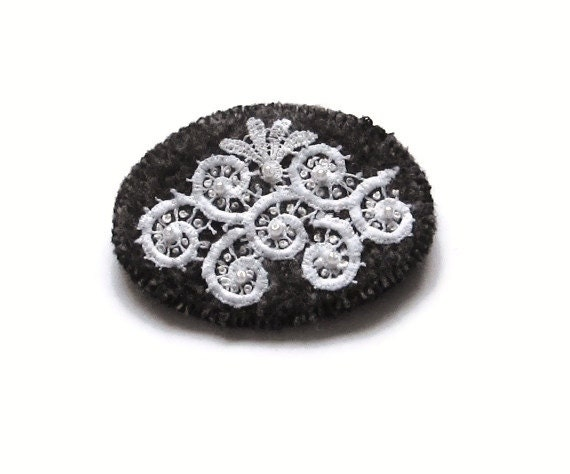 Wool brooch/ oval/ white on gray felted knit