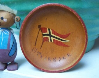Norwegian Souvenir Steinkjer Norway Flag Small Wooden Plate Vintage by Plantdreaming