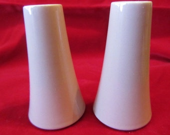 50's Salt and Pepper Shakers in the Dusty Rose Vintage, Pale Pink Shakers, Mid Century Salt & Pepper Shakers, Table Shakers, Ceramic Shakers