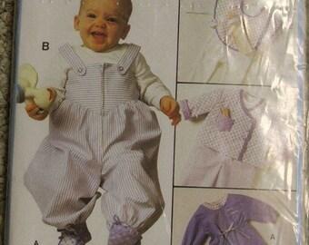 Burda 7698 Baby jumper bib Jacket