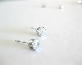 Simple classic 5mm zircon minimalist earrings for everyday