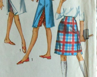 Vintage 60's Teen Shorts Skirt Sewing Pattern Simplicity 5247 Juniors size 16