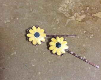 Upcycled vintage sunflower hair pins, OOAK, Repurposed, Pair, Spring, Summer