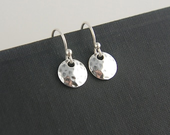 Tiny hammered disc earrings in sterling silver, tiny hammered circle,  round silver disc, textured