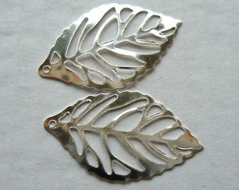 25pcs Silver plated - Leaf Charms - cut out design