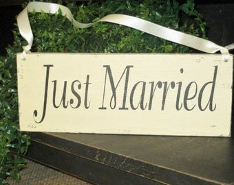 Wedding Sign,Wedding Prop,Just Married,Rustic Wedding Sign,Two Sided Sign,Bride And Groom,Mr & Mrs,Wood Wedding Sign