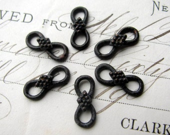 16mm infinity link from Bad Girl Castings, antiqued black patina pewter charm (6 connectors)  figure eight 8, endless knot, eternity loop
