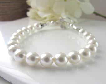 White Pearl Bracelet, Single Strand Pearl Bracelet, Simple Pearl Bracelet, Bridesmaids Bracelet, Handmade Bridal Jewelry