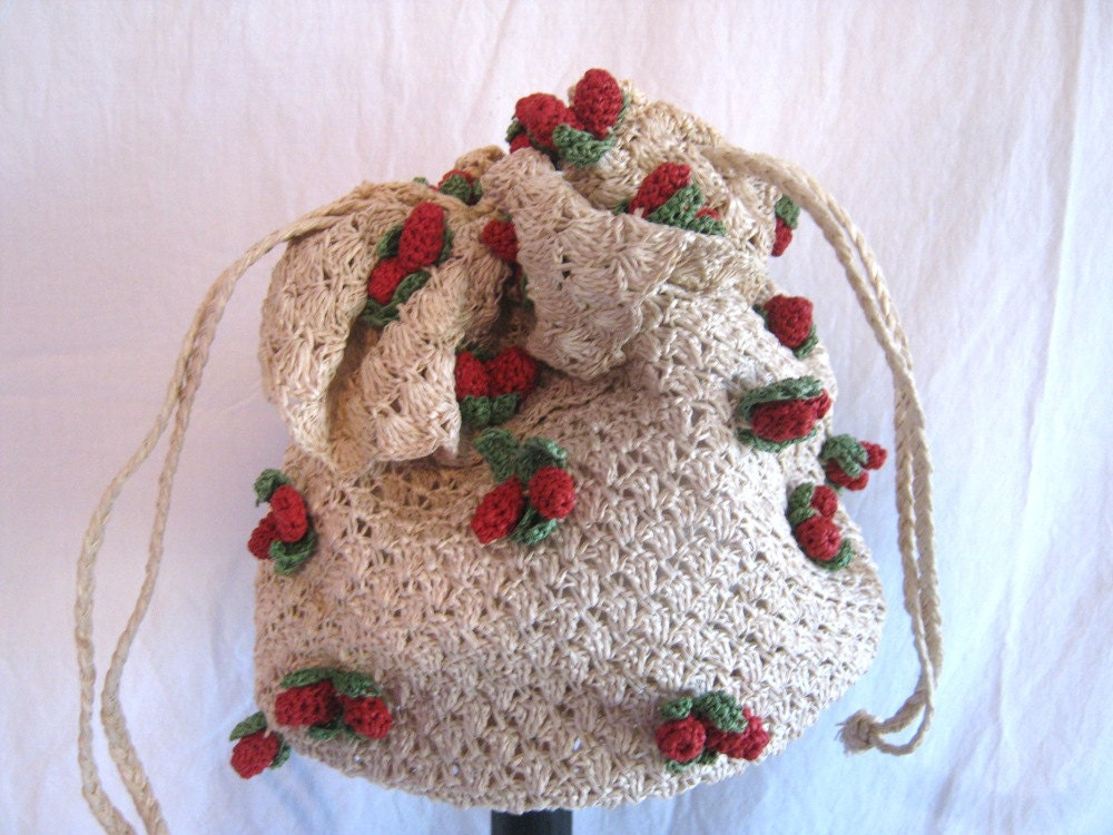 Vintage purse crochet hobo bag1940s-1950s by vintageboxofdelights