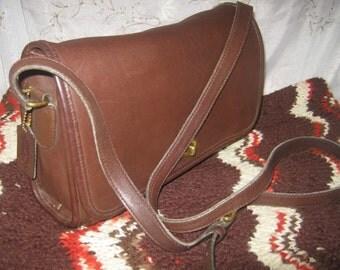 Vintage Coach Ridgefield No 9812 Brown Leather Shoulderbag Purse Retro Style Preppy Chic/Nice Color