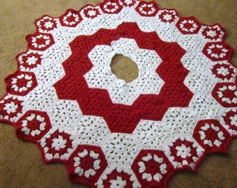 Crochet Christmas Tree Skirt in Red and White, Peppermint Colored Tree Skirt