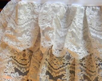 Pale lavender vintage lace crinoline petticoat slip small medium