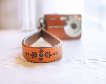 Leather Camera Wrist Strap -  Elegant floral design - Swivel clip - hand tooled leather - Photographer gift - Made to Order