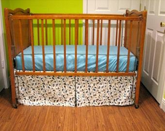 Adjustable Crib Skirt in Vines, Box Pleat