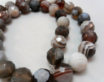 Gemstone Beads, Hong Kong Cut,Unique  Botswana Agates Faceted Rounds, Bead 12mm, half strand 15-17 pc