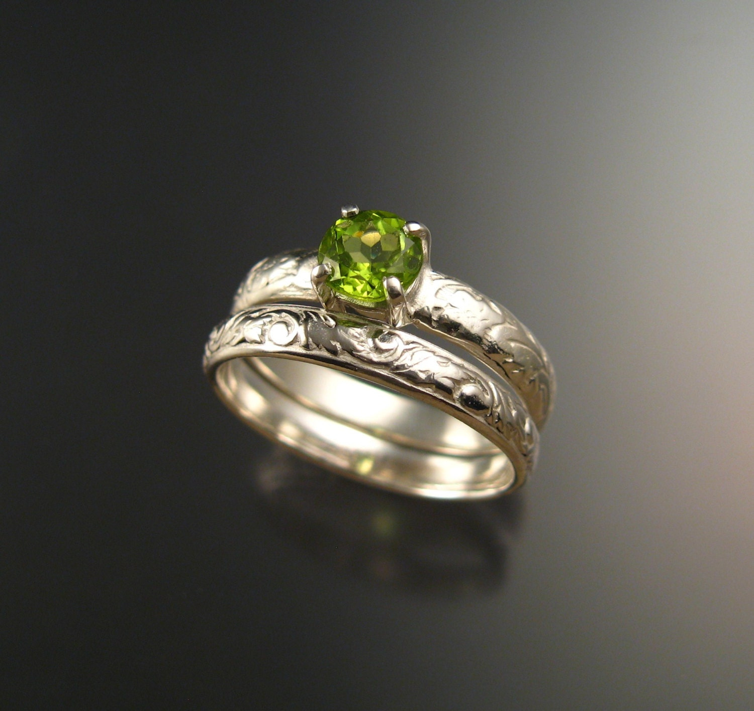 peridot wedding ring victorian floral pattern band engagement. Black Bedroom Furniture Sets. Home Design Ideas