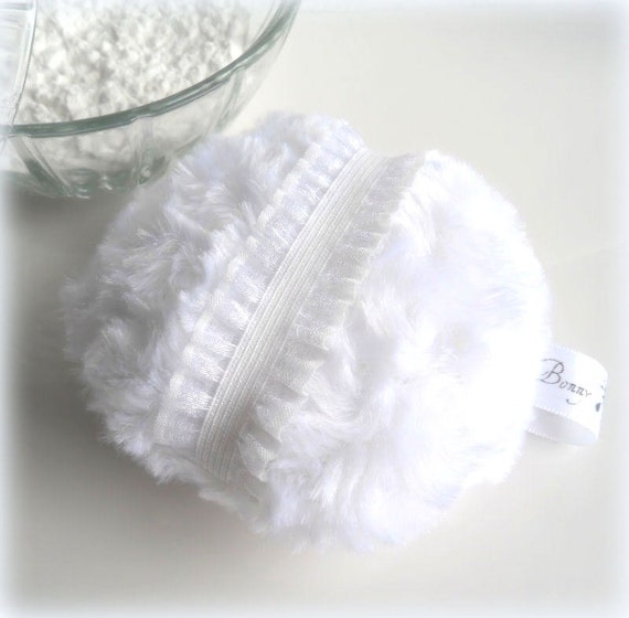Powder puff bright snow white blanc pouf bath powderpuff - Pouf blanc conforama ...