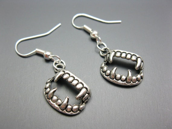 Vampire Fangs Earrings - quirky jewelry geek creepy cute earrings twilight true blood inspired goth gothic teeth funny funky earrings