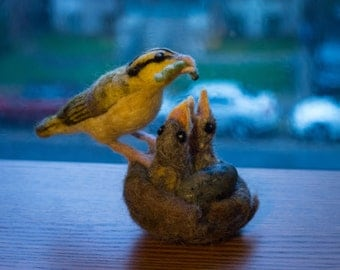 WORM EATING WARBLERS - Needle felted family of birds, mother feeding chicks in a nest