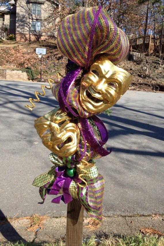 Items Similar To New Orleans Mardi Gras Wreath Swag Deco