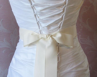 Soft Ivory Grosgrain Ribbon, 1.5 Inch Wde, French Vanilla Ribbon Sash, Bridal Sash, Wedding Belt, 4 Yards
