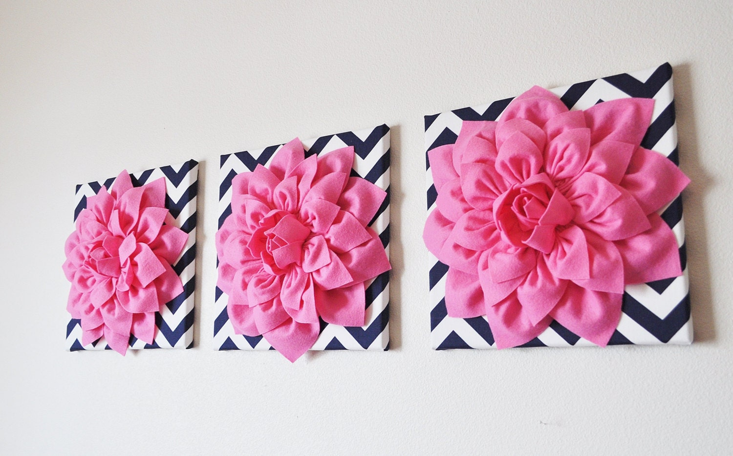 wall decor set of three pink dahlias on navy and white. Black Bedroom Furniture Sets. Home Design Ideas