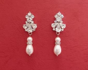 Bridal Dangle Earrings, Bridesmaids Earrings, Wedding Accessories, Swarovski Peal Earrings (E3086)