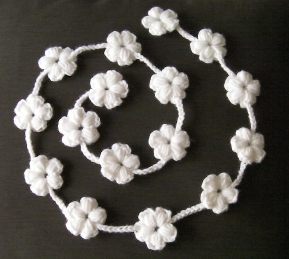 Blossoming Flowers Scarflette, Necklace, Belt, Garland to Crochet-PATTERN ONLY