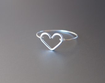 Sterling Silver Heart Ring, Silver Wire Heart Ring, Dainty Heart Jewelry, Simple Ring, Best Friend Ring, Christmas Gift for Her, Holidays