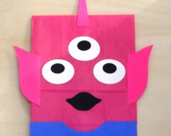 Space Alien Treat Sacks Birthday Party Favor Goody Bags by jettabees on Etsy