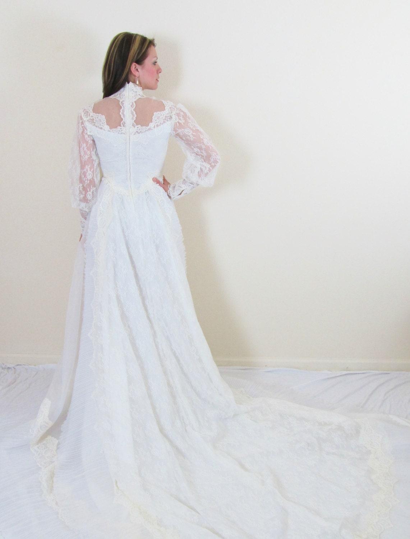 Vintage 1950's Wedding Dress / Ivory Spanish Lace by JLVintage
