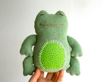 Frog, organic frog, green, cuddly, plush, soft, child, baby, gift, eco-friendly