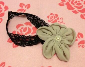 Grey flower stretchy headband