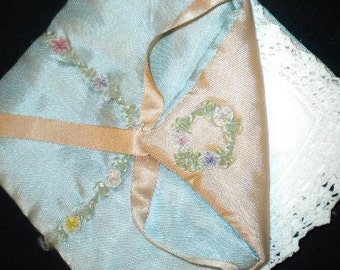 x Vintage Hanky Holder in Blue & Peach with Lovely Ribbon Work Accents (FF223)