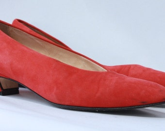 Vintage 1980s Red Suede Pumps // Made in Italy // Heels