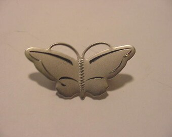 Vintage Silver Tone Metal Butterfly  Brooch  12 - 537