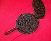 Griswold No. 8 Cast Iron Block Logo Waffle Iron 0498