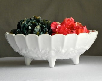 Vintage Milk Glass Bowl Fruit Bowl Milk Glass Home Decor Farmhouse Decor Serving Bowl Kitchen Decor From Country Home City Home.