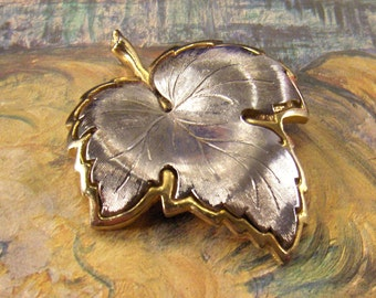 Vintage Leaf Pendant Finding for Necklace Silver and Gold Tone ~ epsteam vestiesteam thebestvintage