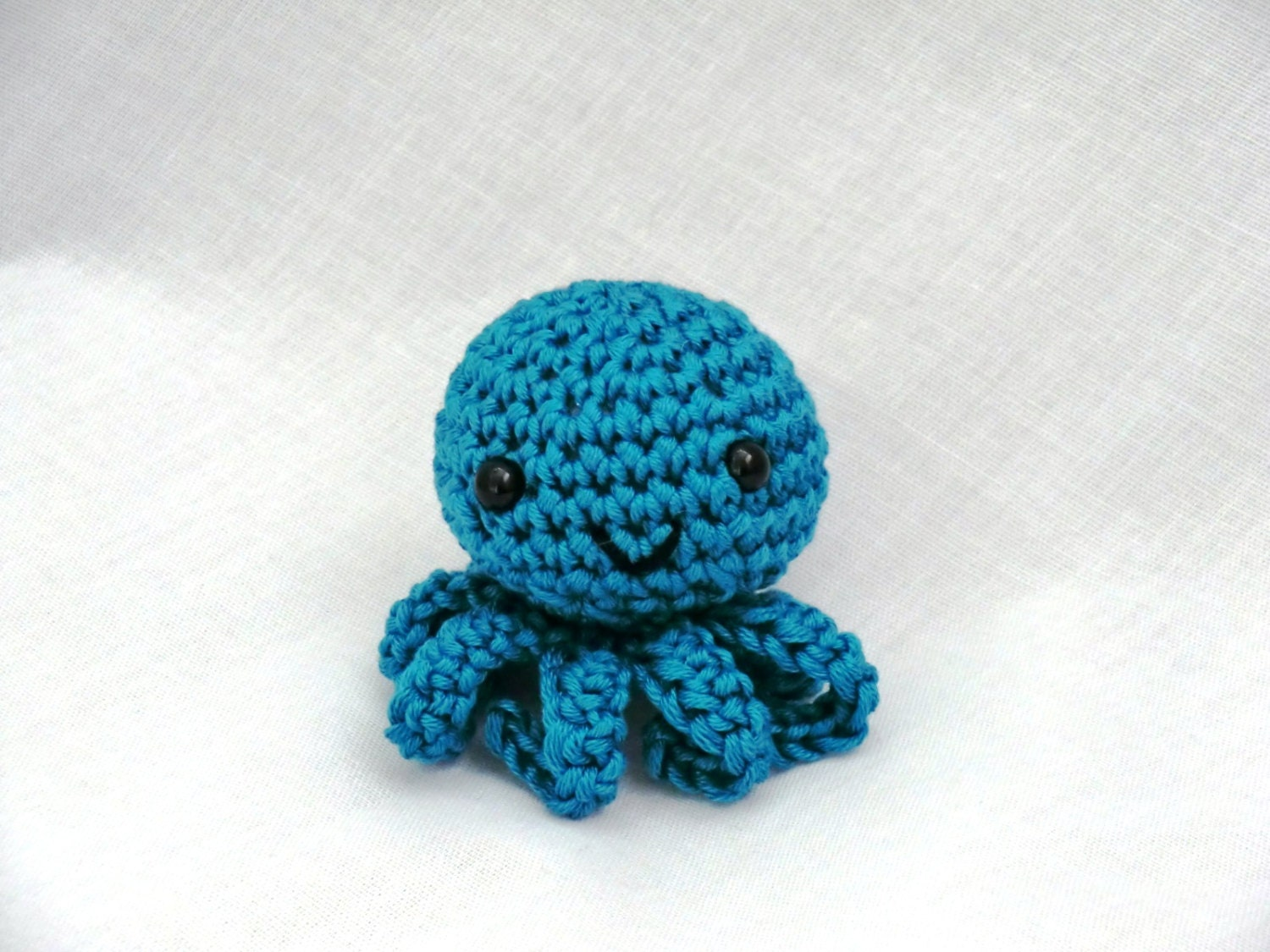 Mini Amigurumi Octopus : Mini amigurumi octopus PDF crochet pattern