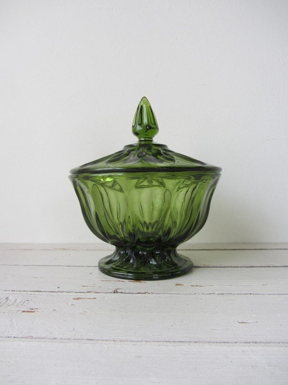 Vintage / Green Glass Cover Dish