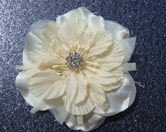 SET OF 2 - Luscious Ivory Bridal Flower Hair Pin with rhinestone centerpiece / SPARKLY ivory hair flower