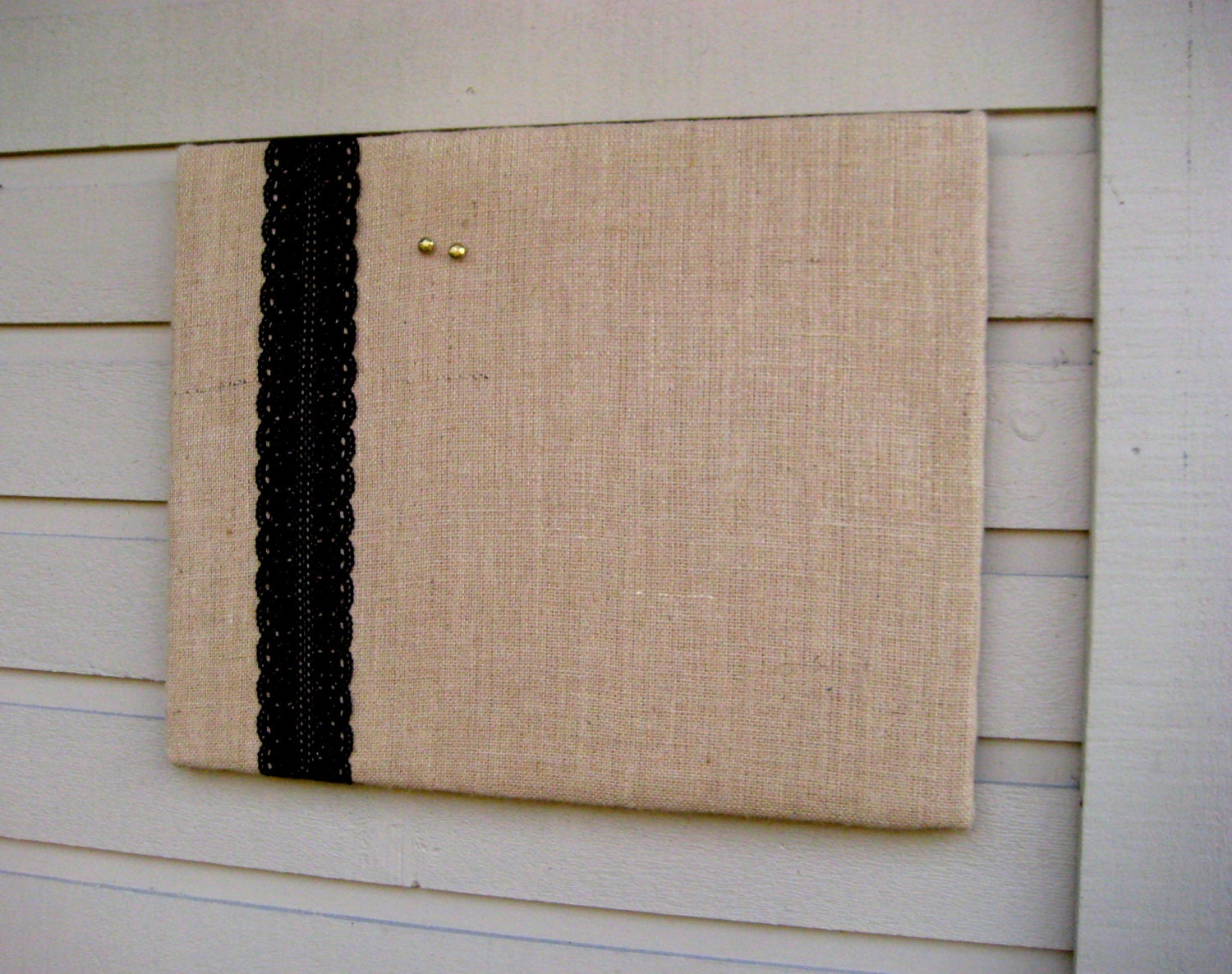 Burlap and lace bulletin board for your rustic wedding for Burlap and lace bedroom