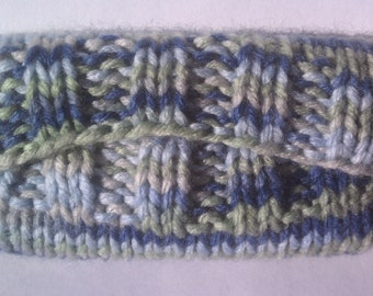 Knitted Tissue Cozy, Green Blue