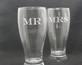 Etched Mr and Mrs Beer Pilsner Set of Two