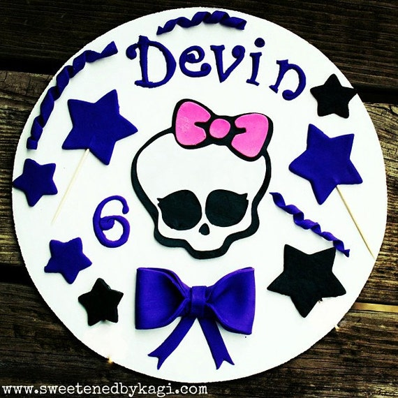 Items similar to Monster High- cake decorating kit on Etsy