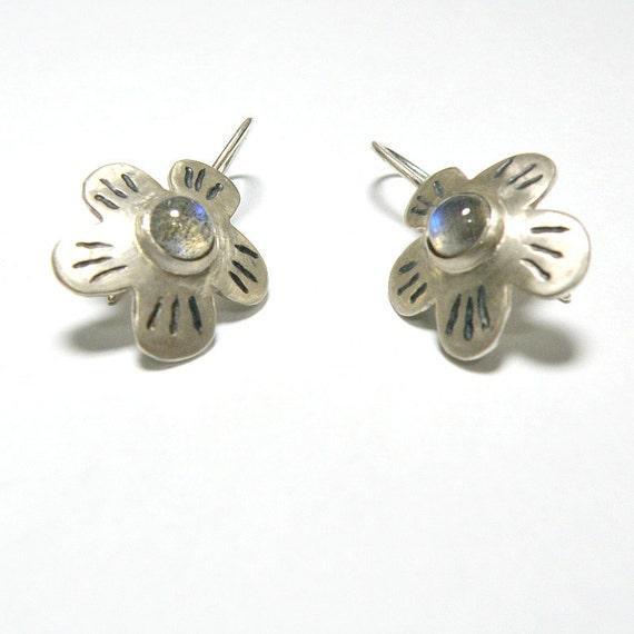 Labradorite Earrings , Sterling Silver Earrings Labradorite Jewelry, Gift For Girlfriend Flower Silver Earrings , Flower Earrings Gemstone